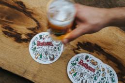 rothaus bierdeckel design mit bier