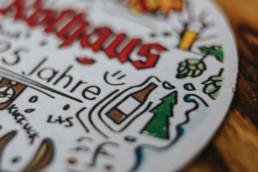 rothaus bierdeckel tanne detail